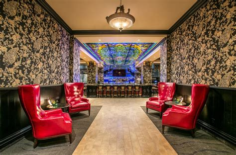 room lounge spokane peacock lounge entryway yelp