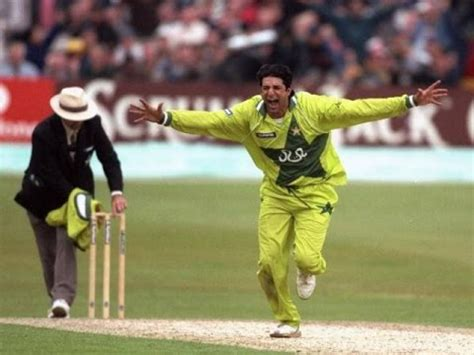 wasim akram reverse swing 2 best first overs bowled by wasim akram in cricket