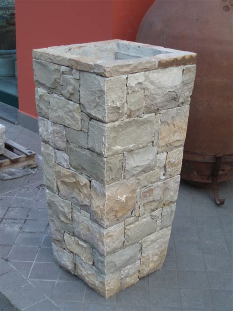 fioriere in pietra fioriere vasi e pozzi in pietra di credaro cava bettoni