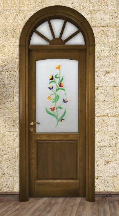 vetri per interni porta per interni in legno noce e vetro dipinto