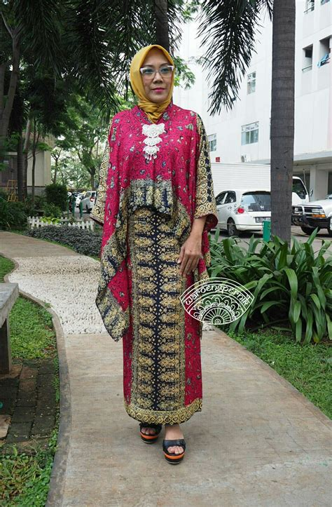 pin  ati kusumawati  batik palembang batik dress