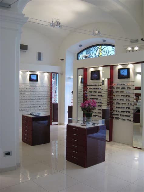 arredamenti ottica gruppolicromatico s n c arredamento negozi ottica e