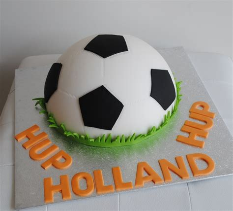 How To Make A Paper Mache Soccer - 38 best images about voetbal on papier mache