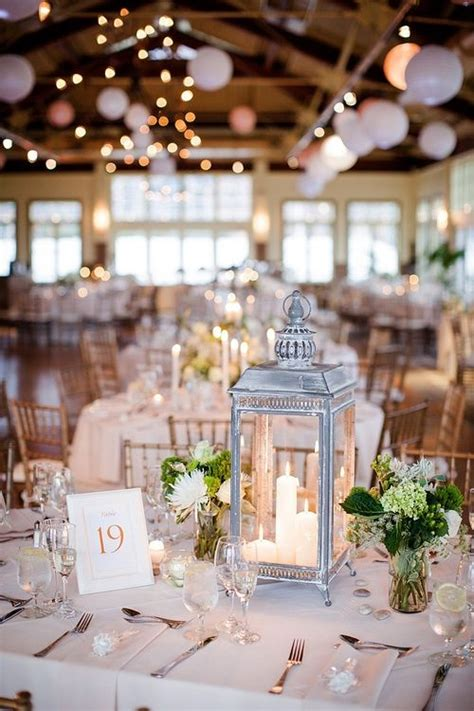 lantern floral centerpieces 25 best ideas about lantern wedding centerpieces on