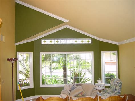 Crown Moulding Vaulted Ceiling by Vaulted Crown Moulding Crown Installation