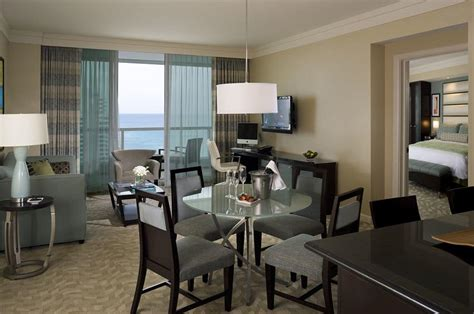 cheap rooms in miami fontainebleau miami cheap hotel rooms at discounted price at cheaprooms