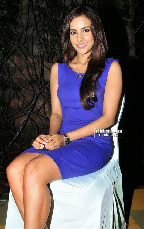 by priya captions 26 jan 2014 south actress hot pics kollywood actress priya anand