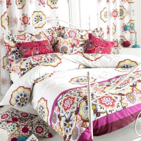 magenta bedding paoletti festival bedding set in white and magenta a 163 25