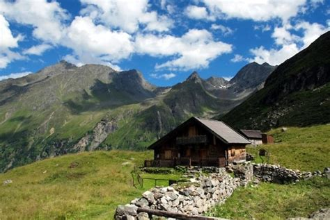 berghütten in tirol tirol het oostenrijk de besneeuwde alpen
