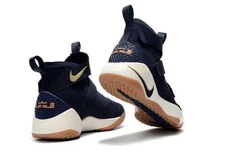 Sepatu Basket Nike Lebron Zoom Soldier 11 Cavs nike zoom lebron soldier 11 cavs alternate midnight navy metallic gold white