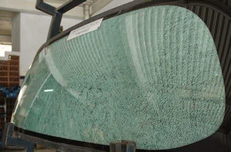 Kaca 2 Pecah kaca mobil pecah sendiri ini penyebabnya mobilku org