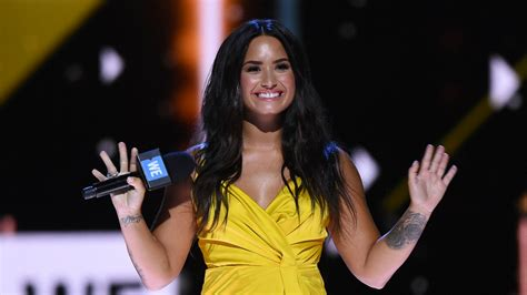 demi lovato sorry not sorry today show demi lovato comes for her haters in new single sorry not