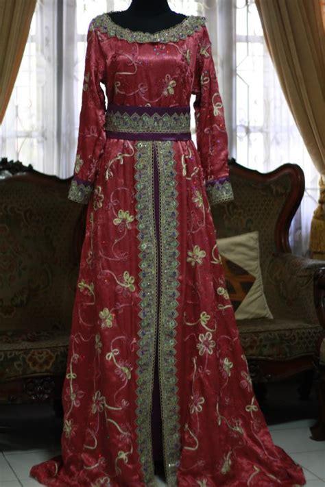 Kebaya Gaun Merah Pensiun Salon gaun merah cantik penjahit kebaya 085890548801
