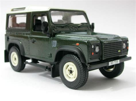 land rover britains britains land rover defender 90 hardtop model 1 32 42111