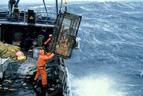 alaska crab fishing boat jobs 一攫千金を目指すカニ漁バトル ディスカバリーチャンネルの必見番組 naver まとめ