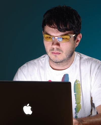 reduce blue light on computer gunnar eyestrain reducing computer glasses