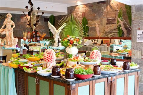 the buffet picture of royal palm beach hotel gumbet