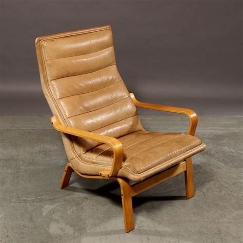 comfy leather armchair comfy leather armchair 28 images comfortable 1930s