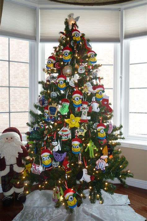minion christmas tree minion pinterest trees