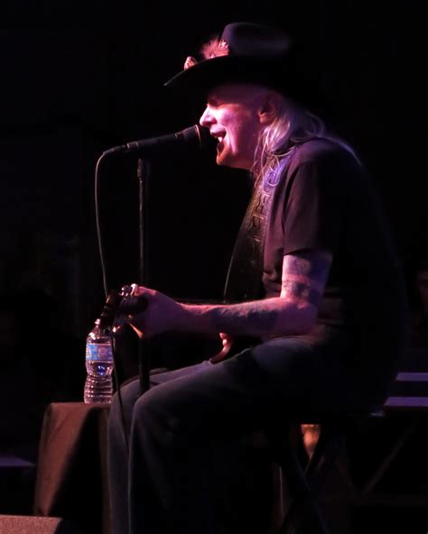 Johnny Winter Blues Legend blues legend johnny winter performs suze reviews the blues