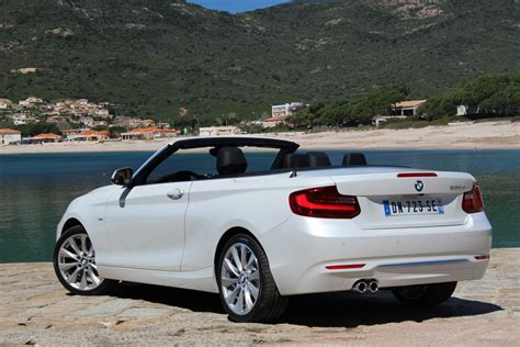 Bmw Serie 1 Coupe Cabriolet Occasion by Essai Vid 233 O Bmw S 233 Rie 2 Cabriolet L Attrape Coeur