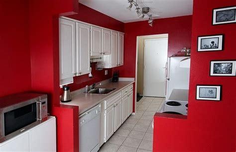 italienische küchengestaltung k 252 che in rot gestalten das sinnliche rot