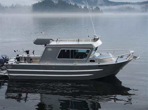 wide aluminum boat 25 swiftsure xw aluminum cabin boat by silver streak boats