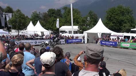 Motorrad Stunt Show Youtube by Chris Pfeiffer Stunt Show Bmw Motorrad Days Garmisch