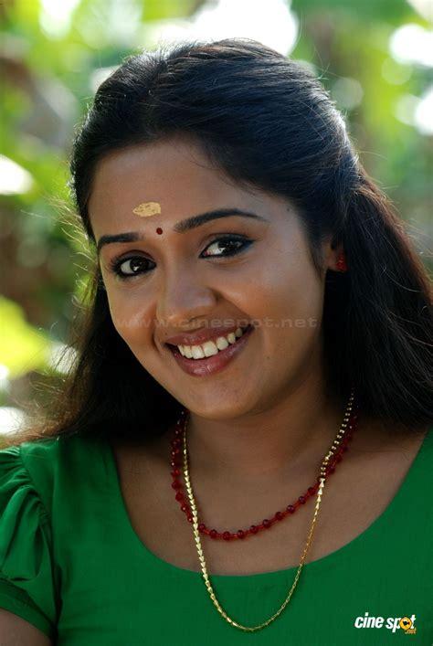 malayalam heroins video ananya malayalam actress sexy photos ananya actress