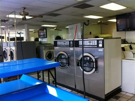 24 hours laundromat cleaning laundry eastside