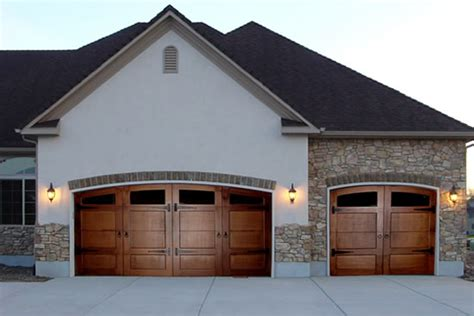 types of garage doors available in usa