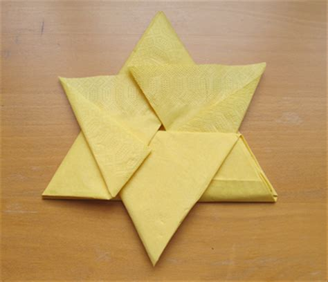 Paper Napkins Folding - how to fold a napkin into a 6 pointed