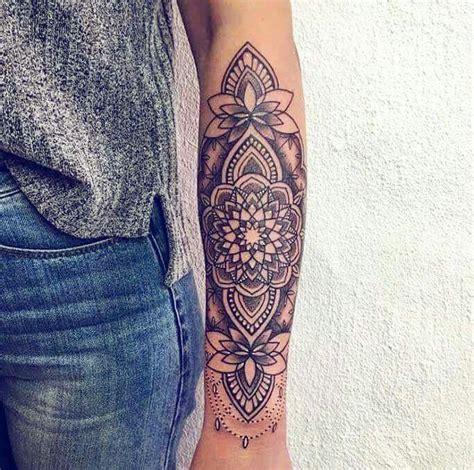 tattoo mandala vrouw mandala tatoo simetria pinterest tatoeage tatoeages