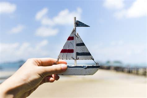 kleine zeilboot klein zeilboot vectoren foto s en psd bestanden gratis