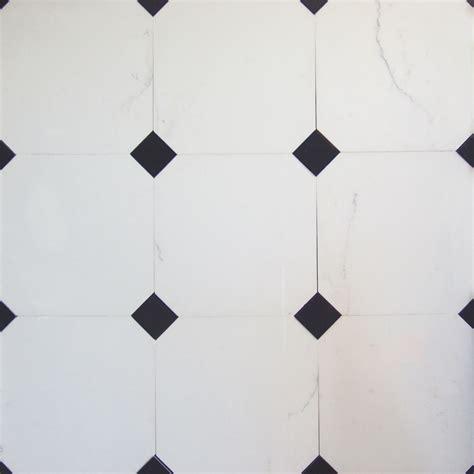 pavimento marmo bianco e nero pavimento in marmo bianco statuario con tozzetto in marmo