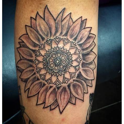 sunflower mandala tattoo 25 best ideas about sunflower mandala on