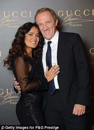 hollywood actresses with younger husbands salma hayek and billionaire husband move to avoid french
