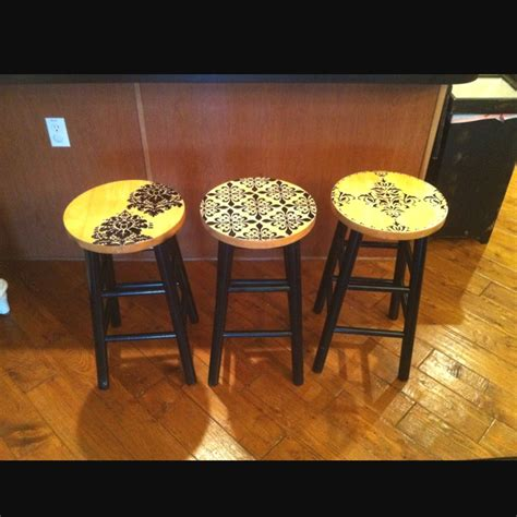 Spray Paint Bar Stools by Updated Bar Stools 1 Can Black Spray Paint For The Legs