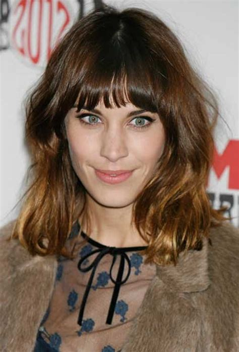 hairstyles with curved bangs 30 super chic medium hairstyles with bangs