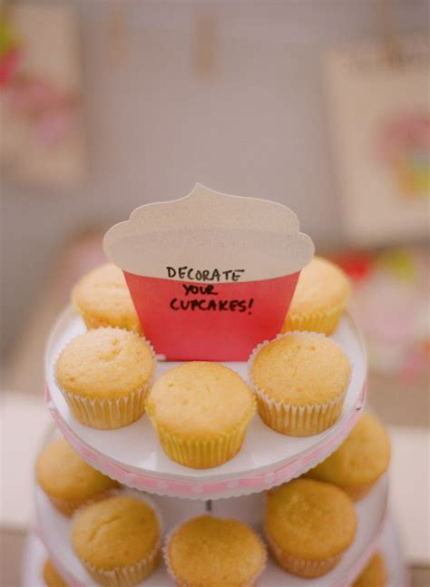 Decorate Your Own Cupcake by 1000 Ideas About Cupcakes Decorating On