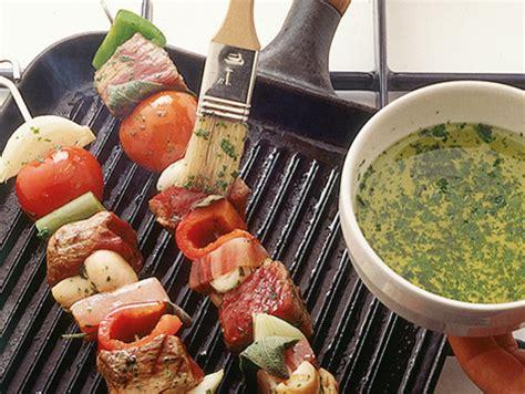 come cucinare spiedini di carne come si preparano gli spiedini di carne sale pepe