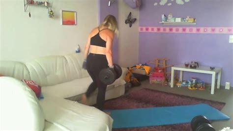 yoga tutorial anfänger trainingsger 228 t f 252 r zu hause wohndesign blendung zu hause