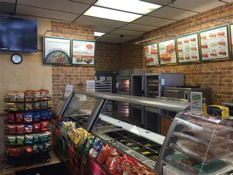 subway fastfood 15415 w national ave new berlin wi
