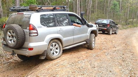 Toyota Prado Vs Jeep Grand Jeep Grand Vs Toyota Land Cruiser Prado