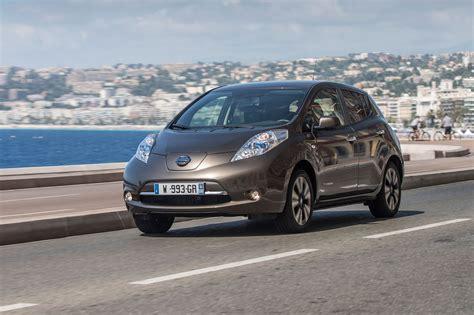 nissan leaf battery range battery boost for 2016 nissan leaf increases range by 25