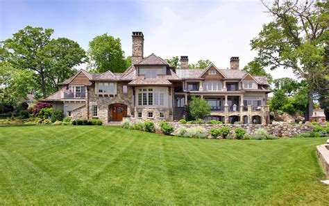 stunning country waterfront estate in darien ct
