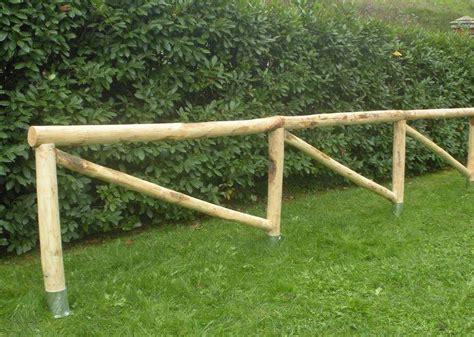 pali per gazebo in legno pali in legno castagno scortecciato per a bergamo
