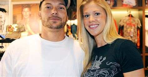 Kfed Wants 25000 For His Birthday by Kevin Federline S Prince Gives Birth To Baby