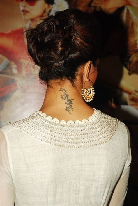 deepika padukone tattoo deepika padukone flaunting rk at the trailer
