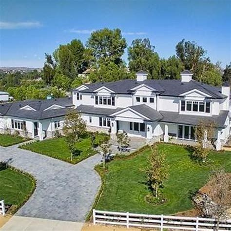 kylie jenner new house kylie jenner 19 buys fourth california mansion at 12m the rainbow news online